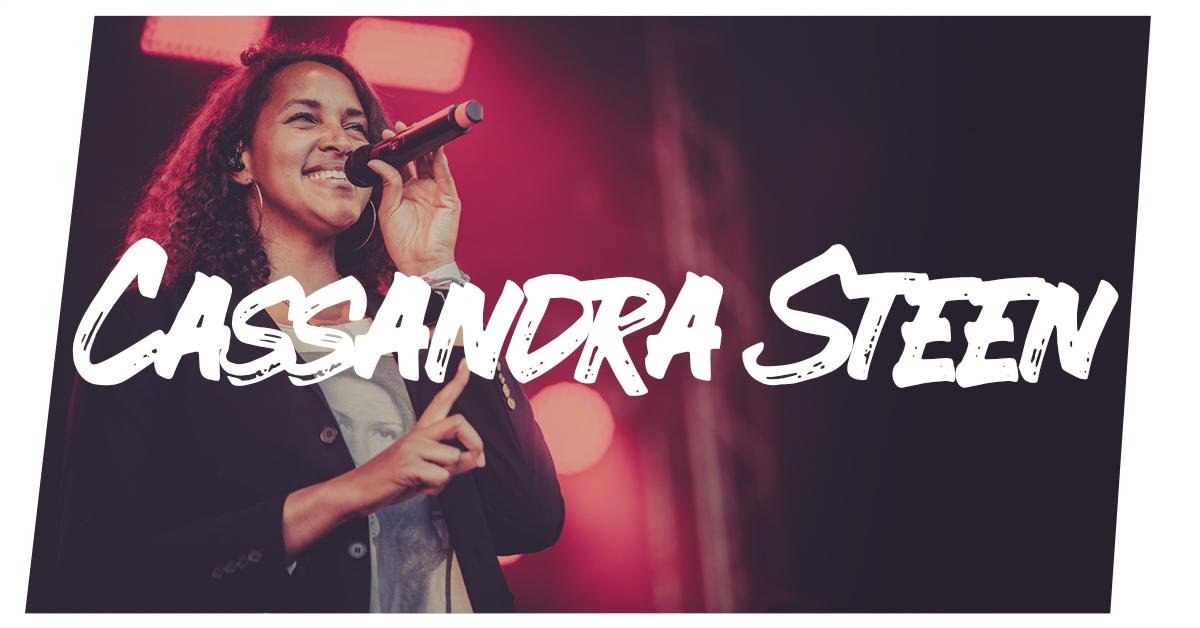 Cassandra Steen live in Kiel